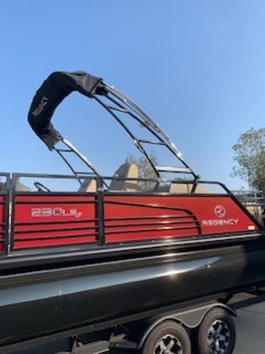 2019 Regency boat for sale, model of the boat is 230 LE3 Sport & Image # 2 of 15
