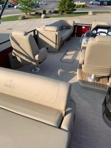 2019 Regency boat for sale, model of the boat is 230 LE3 Sport & Image # 4 of 15