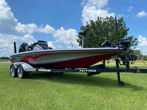 2022 Nitro boat for sale, model of the boat is Z20 & Image # 2 of 15