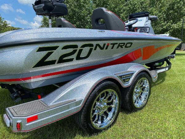 2022 Nitro boat for sale, model of the boat is Z20 & Image # 3 of 15
