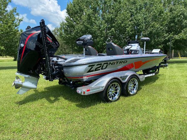 2022 Nitro boat for sale, model of the boat is Z20 & Image # 11 of 15