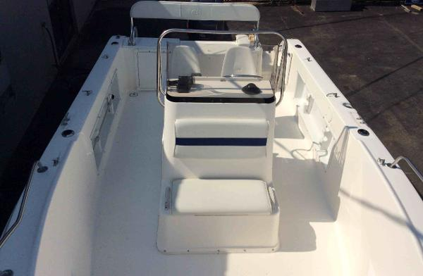 2000 Cobia boat for sale, model of the boat is 204 & Image # 2 of 7