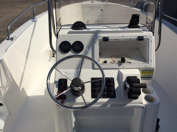 2000 Cobia boat for sale, model of the boat is 204 & Image # 5 of 7