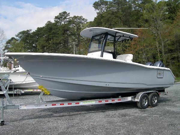 2022 Sea Hunt Gamefish 27 Coffin Box