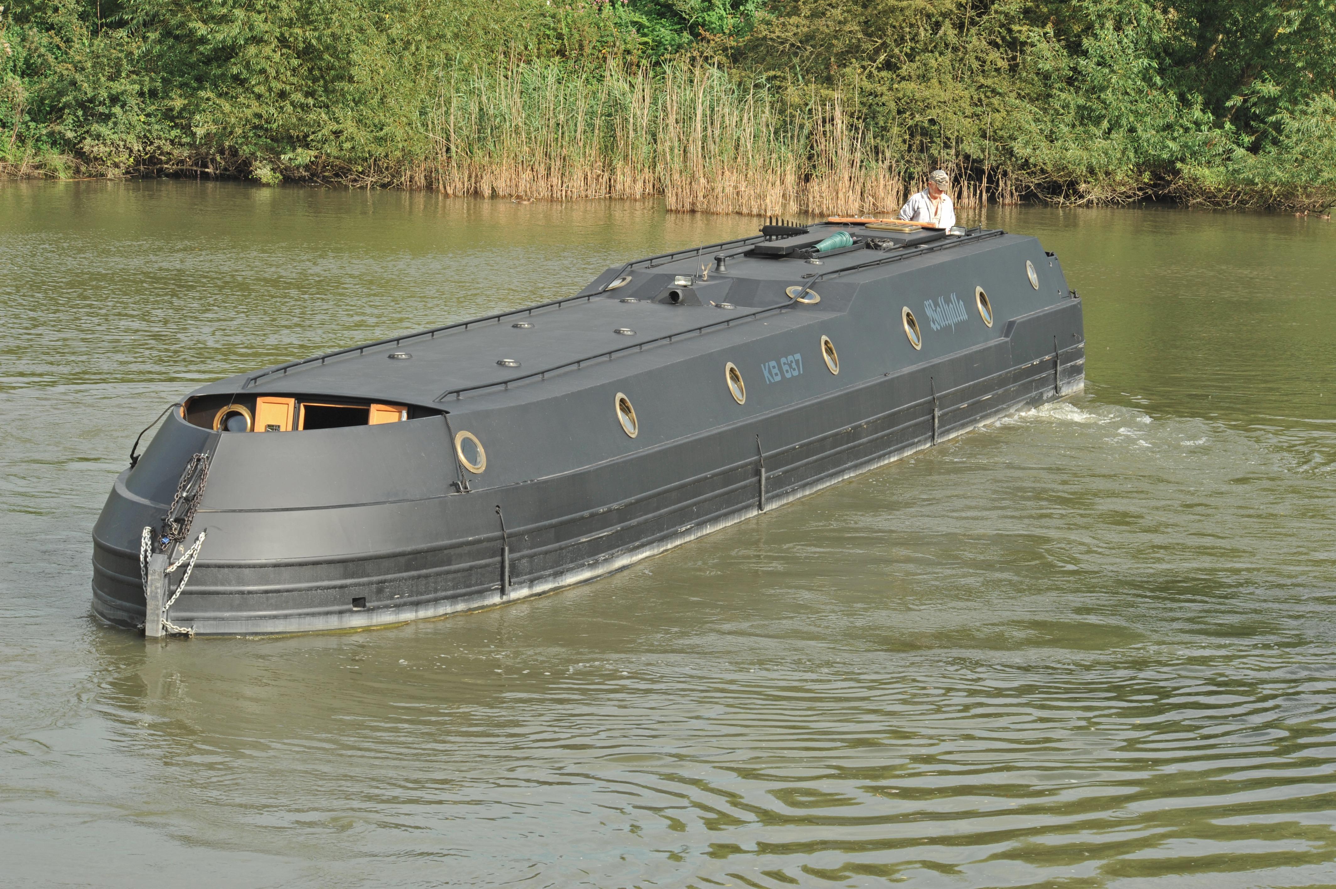 Wide Beam Narrowboat Reeves 58