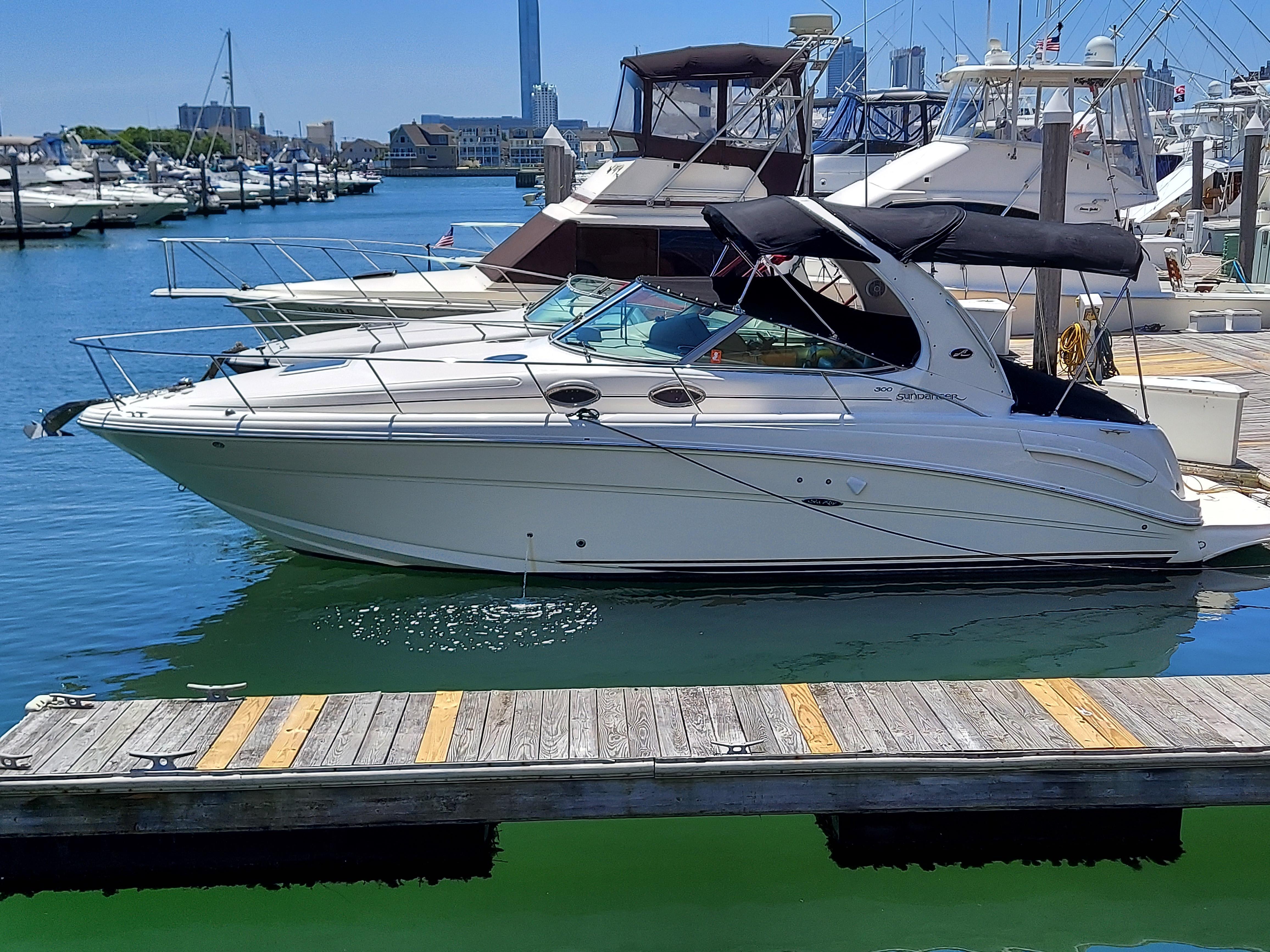 NJ 6276 KG Knot 10 Yacht Sales