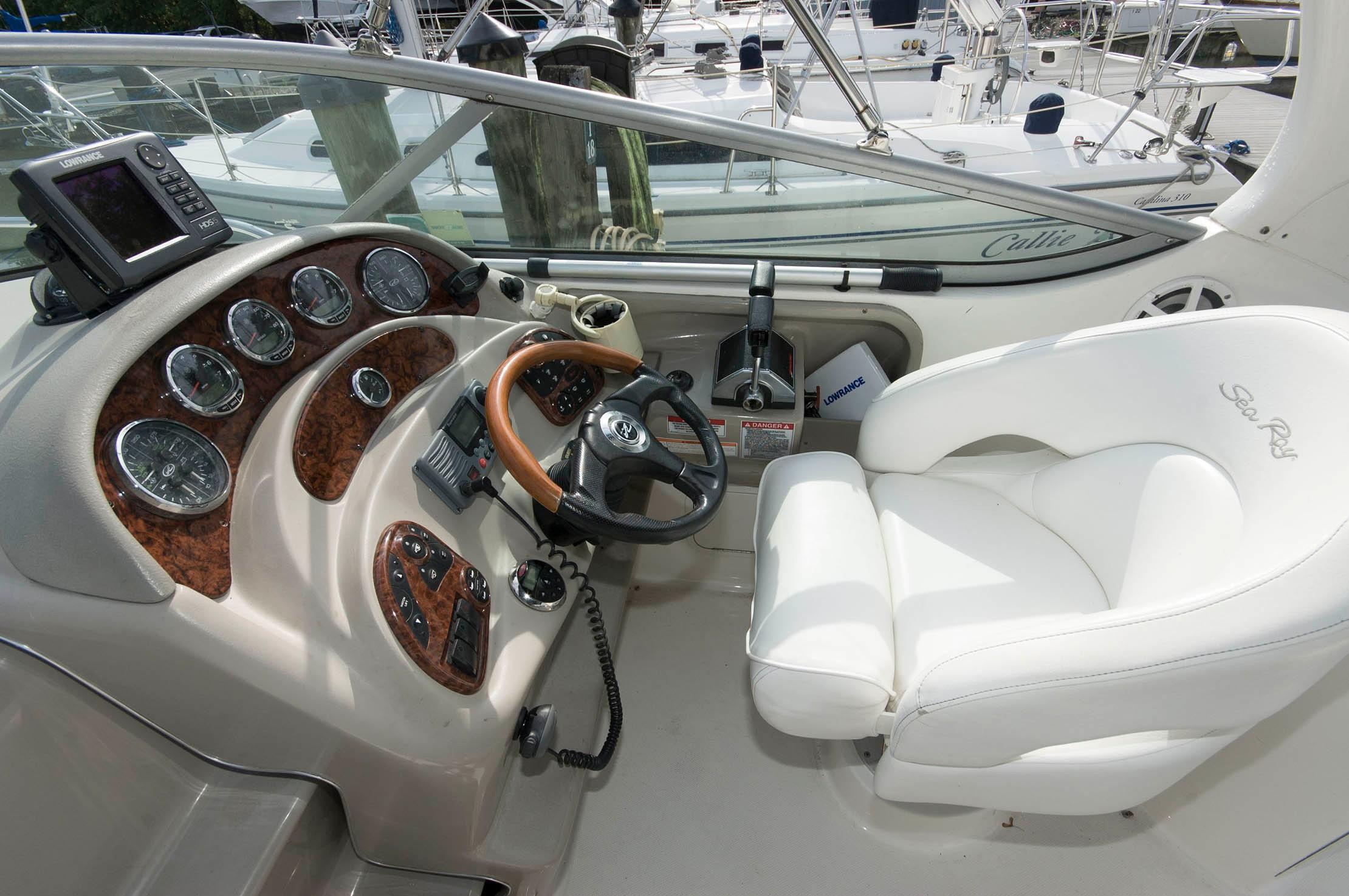 M 5780 KB Knot 10 Yacht Sales