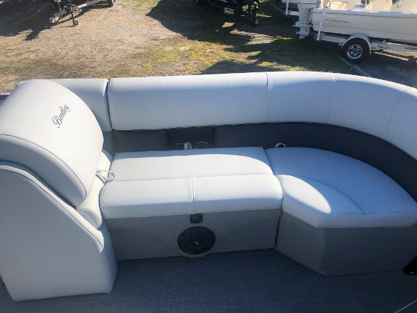 2021 Bentley boat for sale, model of the boat is 223 NAVIGATOR & Image # 11 of 31