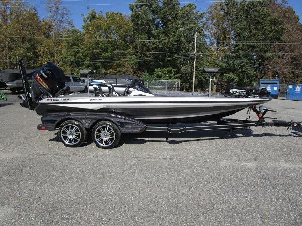 2021 Skeeter boat for sale, model of the boat is FXR20 Limited & Image # 11 of 59