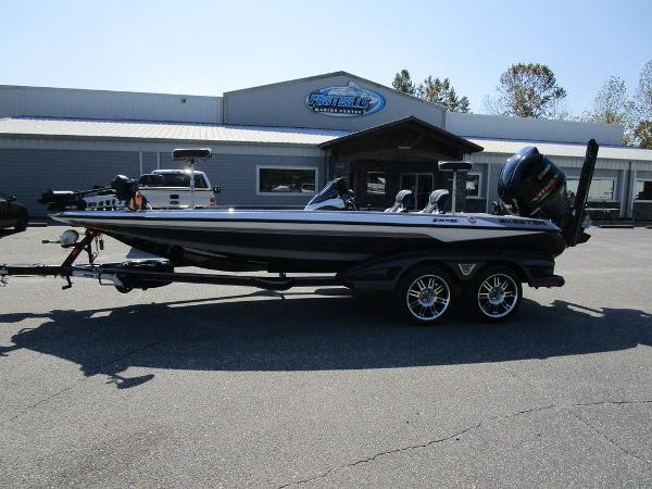 2021 Skeeter boat for sale, model of the boat is FXR20 Limited & Image # 12 of 59