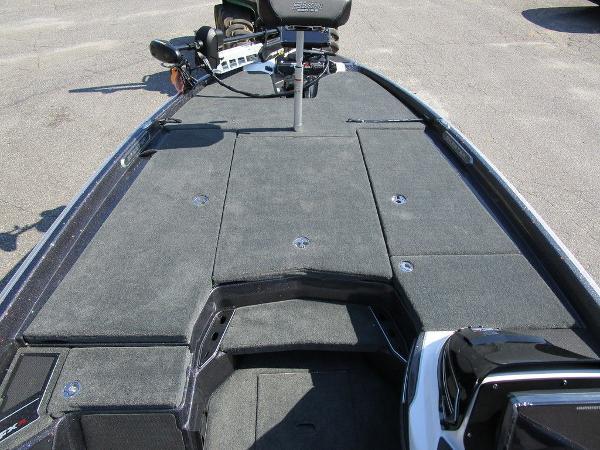 2021 Skeeter boat for sale, model of the boat is FXR20 Limited & Image # 13 of 59
