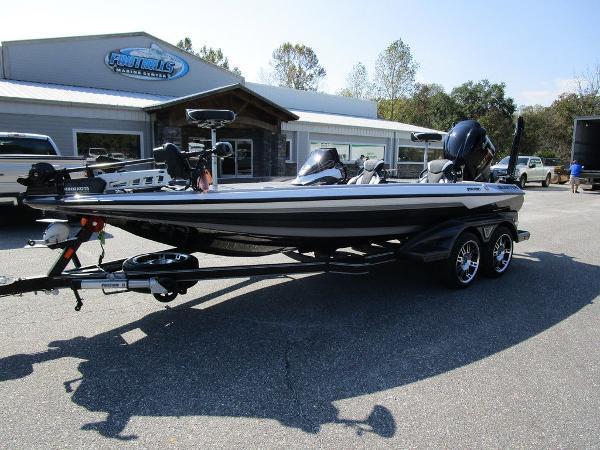 2021 Skeeter boat for sale, model of the boat is FXR20 Limited & Image # 16 of 59
