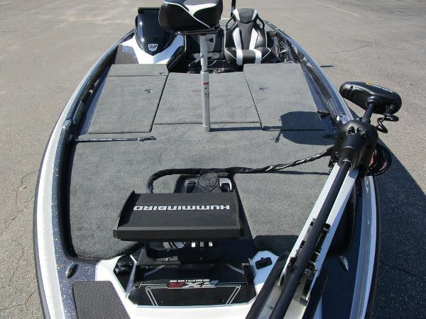 2021 Skeeter boat for sale, model of the boat is FXR20 Limited & Image # 21 of 59