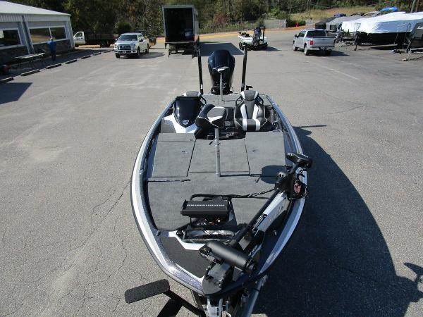 2021 Skeeter boat for sale, model of the boat is FXR20 Limited & Image # 28 of 59