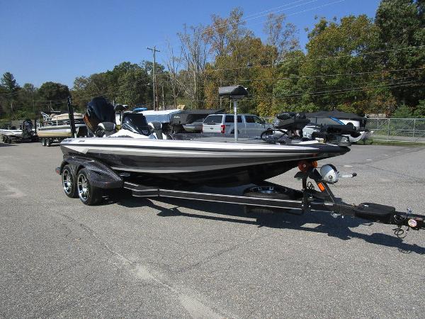 2021 Skeeter boat for sale, model of the boat is FXR20 Limited & Image # 39 of 59