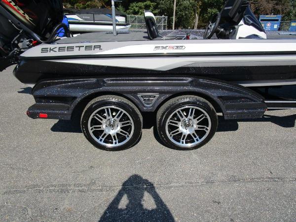 2021 Skeeter boat for sale, model of the boat is FXR20 Limited & Image # 45 of 59