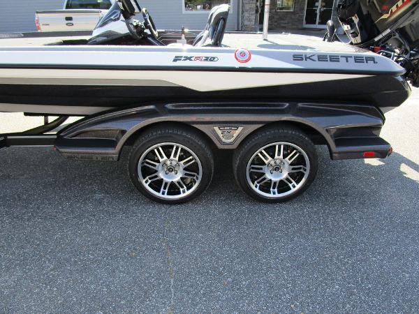 2021 Skeeter boat for sale, model of the boat is FXR20 Limited & Image # 53 of 59