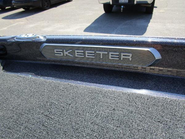 2021 Skeeter boat for sale, model of the boat is FXR20 Limited & Image # 57 of 59
