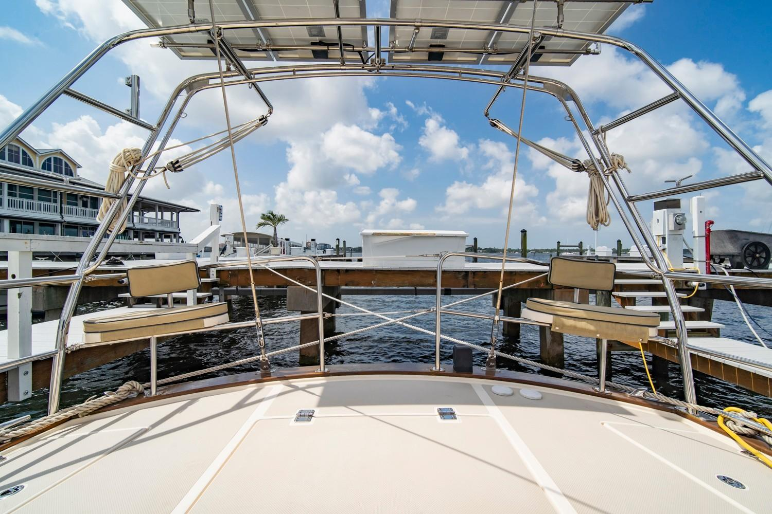 Kato stainless steel arch with davits and outboard lift (2019)