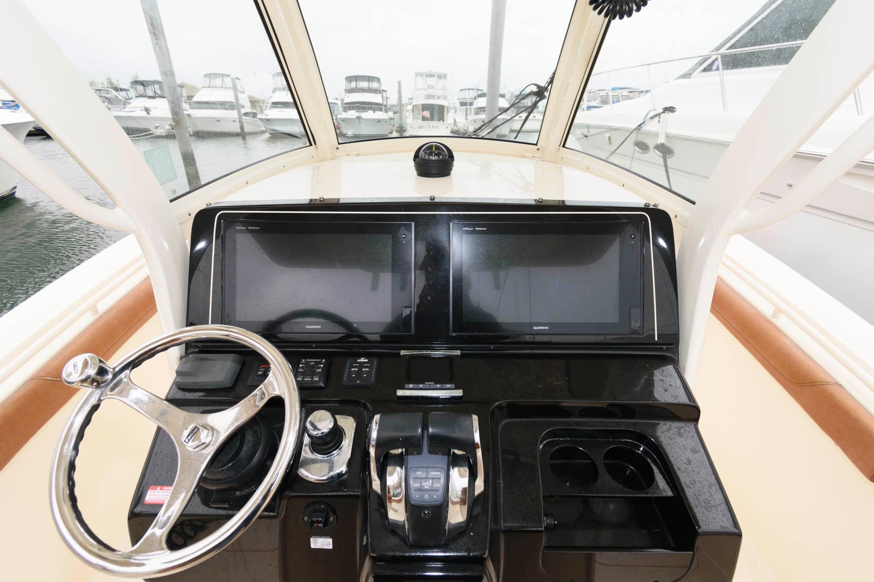 NJ 5805 KG Knot 10 Yacht Sales