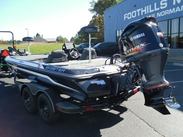 2021 Skeeter boat for sale, model of the boat is ZX225 & Image # 5 of 23