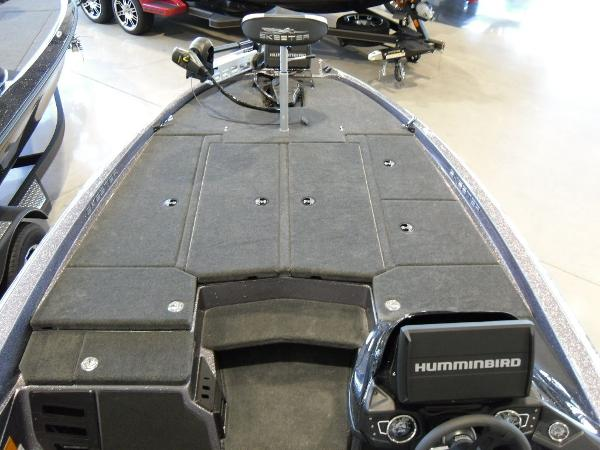 2021 Skeeter boat for sale, model of the boat is ZX225 & Image # 10 of 23