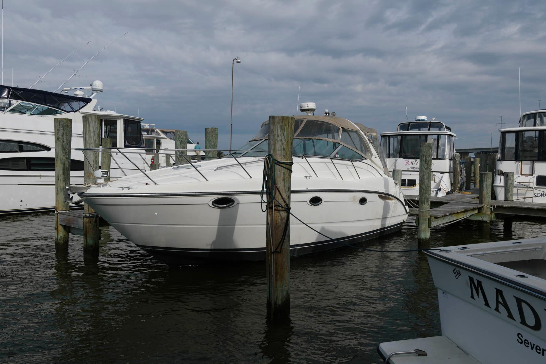 M 6059 TW Knot 10 Yacht Sales