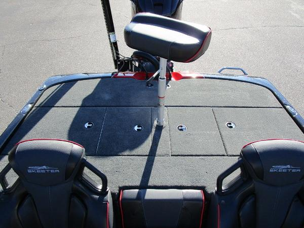 2021 Skeeter boat for sale, model of the boat is ZXR 20 & Image # 7 of 48