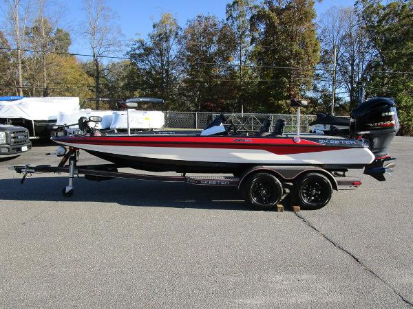 2021 Skeeter boat for sale, model of the boat is ZXR 20 & Image # 15 of 48