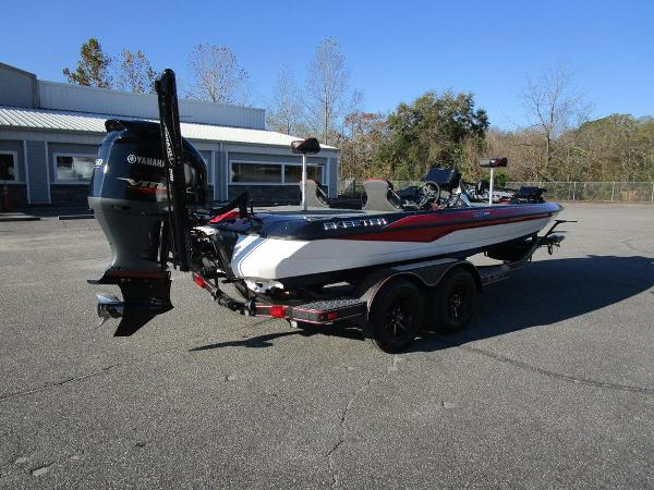 2021 Skeeter boat for sale, model of the boat is ZXR 20 & Image # 17 of 48