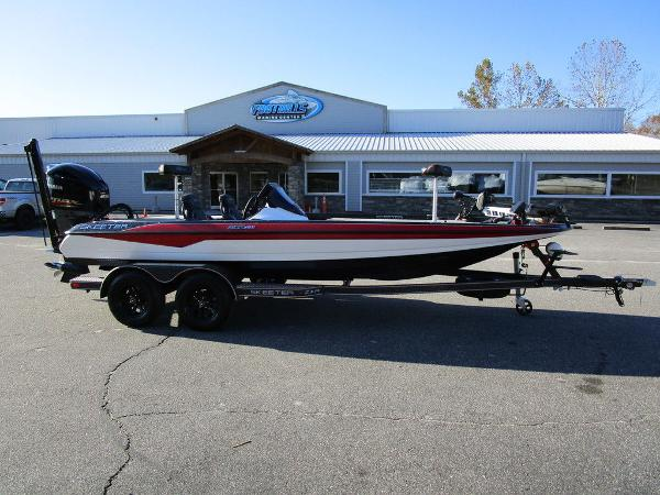 2021 Skeeter boat for sale, model of the boat is ZXR 20 & Image # 1 of 48