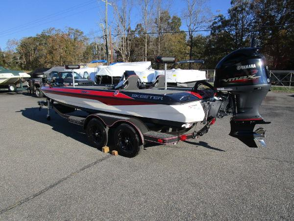 2021 Skeeter boat for sale, model of the boat is ZXR 20 & Image # 18 of 48