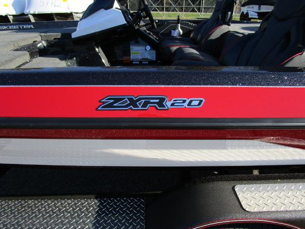 2021 Skeeter boat for sale, model of the boat is ZXR 20 & Image # 23 of 48