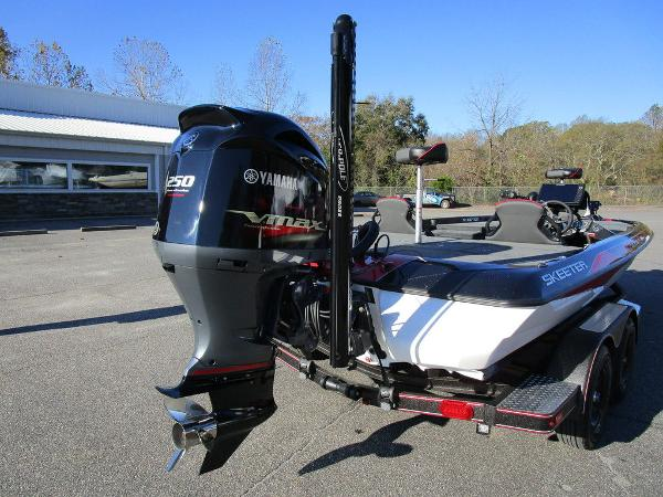 2021 Skeeter boat for sale, model of the boat is ZXR 20 & Image # 25 of 48