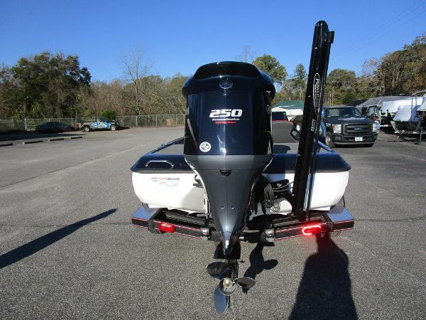 2021 Skeeter boat for sale, model of the boat is ZXR 20 & Image # 28 of 48