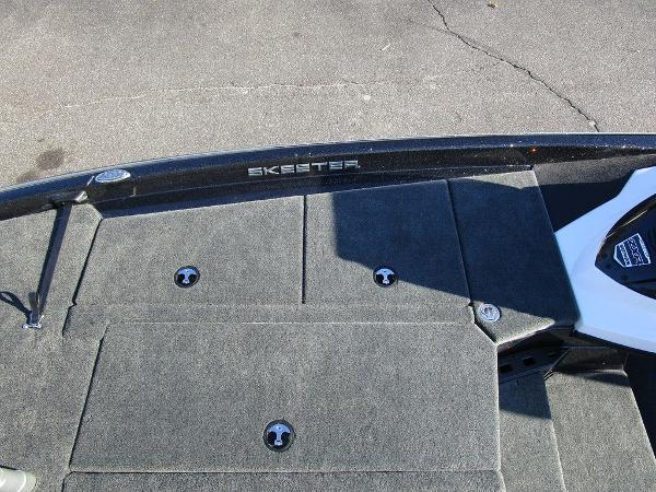 2021 Skeeter boat for sale, model of the boat is ZXR 20 & Image # 30 of 48