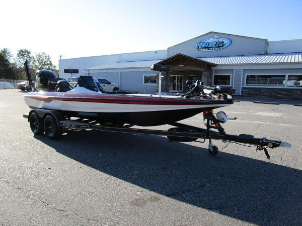 2021 Skeeter boat for sale, model of the boat is ZXR 20 & Image # 31 of 48