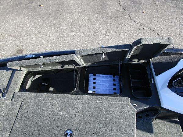 2021 Skeeter boat for sale, model of the boat is ZXR 20 & Image # 38 of 48