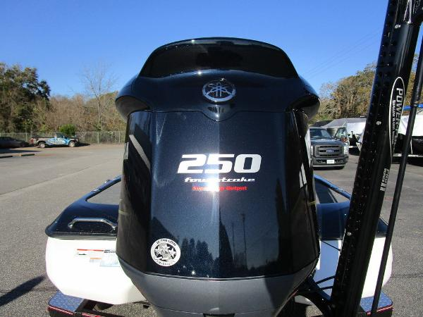 2021 Skeeter boat for sale, model of the boat is ZXR 20 & Image # 45 of 48
