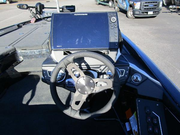 2021 Skeeter boat for sale, model of the boat is ZXR 20 & Image # 47 of 48
