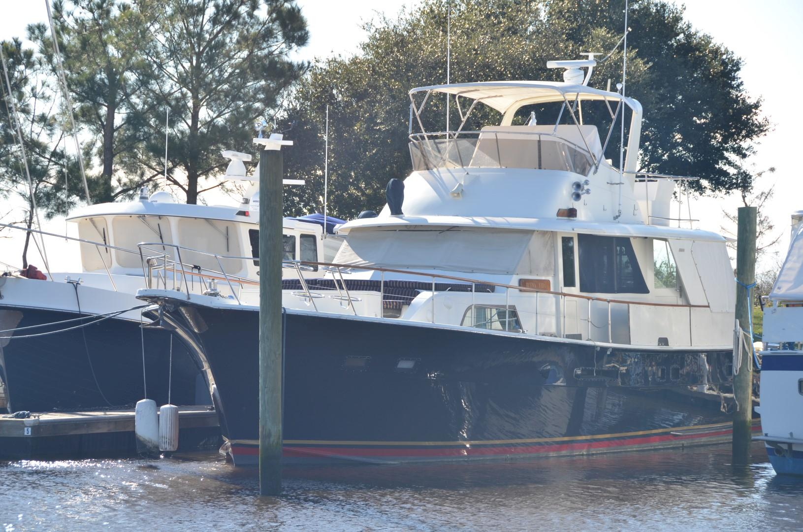 60 Hatteras Cockpit Motor Yacht