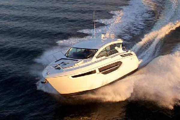 2022 Cruisers Yachts 42C