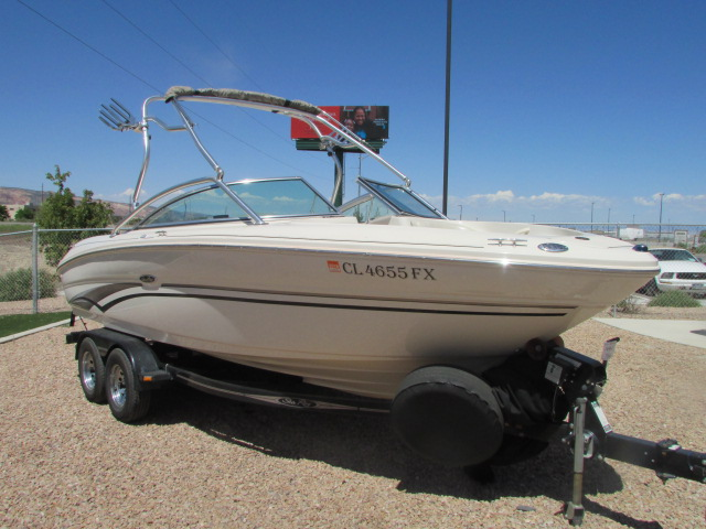 2003 Sea Ray boat for sale, model of the boat is 220 BR & Image # 2 of 19