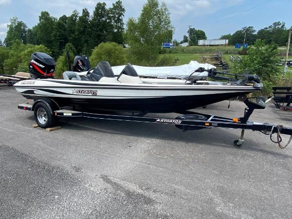 2006 Stratos boat for sale, model of the boat is 294XL & Image # 1 of 22