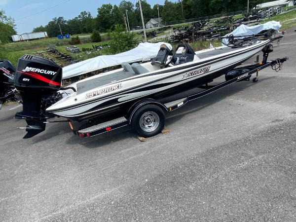 2006 Stratos boat for sale, model of the boat is 294XL & Image # 2 of 22