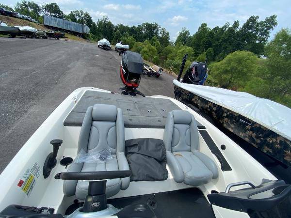 2006 Stratos boat for sale, model of the boat is 294XL & Image # 4 of 22