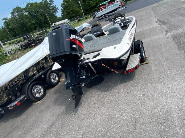 2006 Stratos boat for sale, model of the boat is 294XL & Image # 5 of 22
