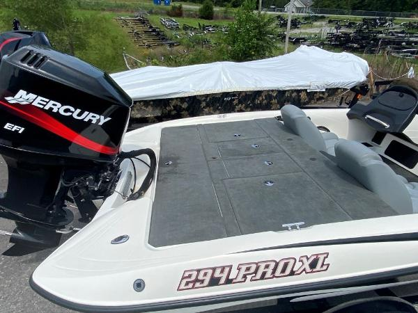 2006 Stratos boat for sale, model of the boat is 294XL & Image # 6 of 22