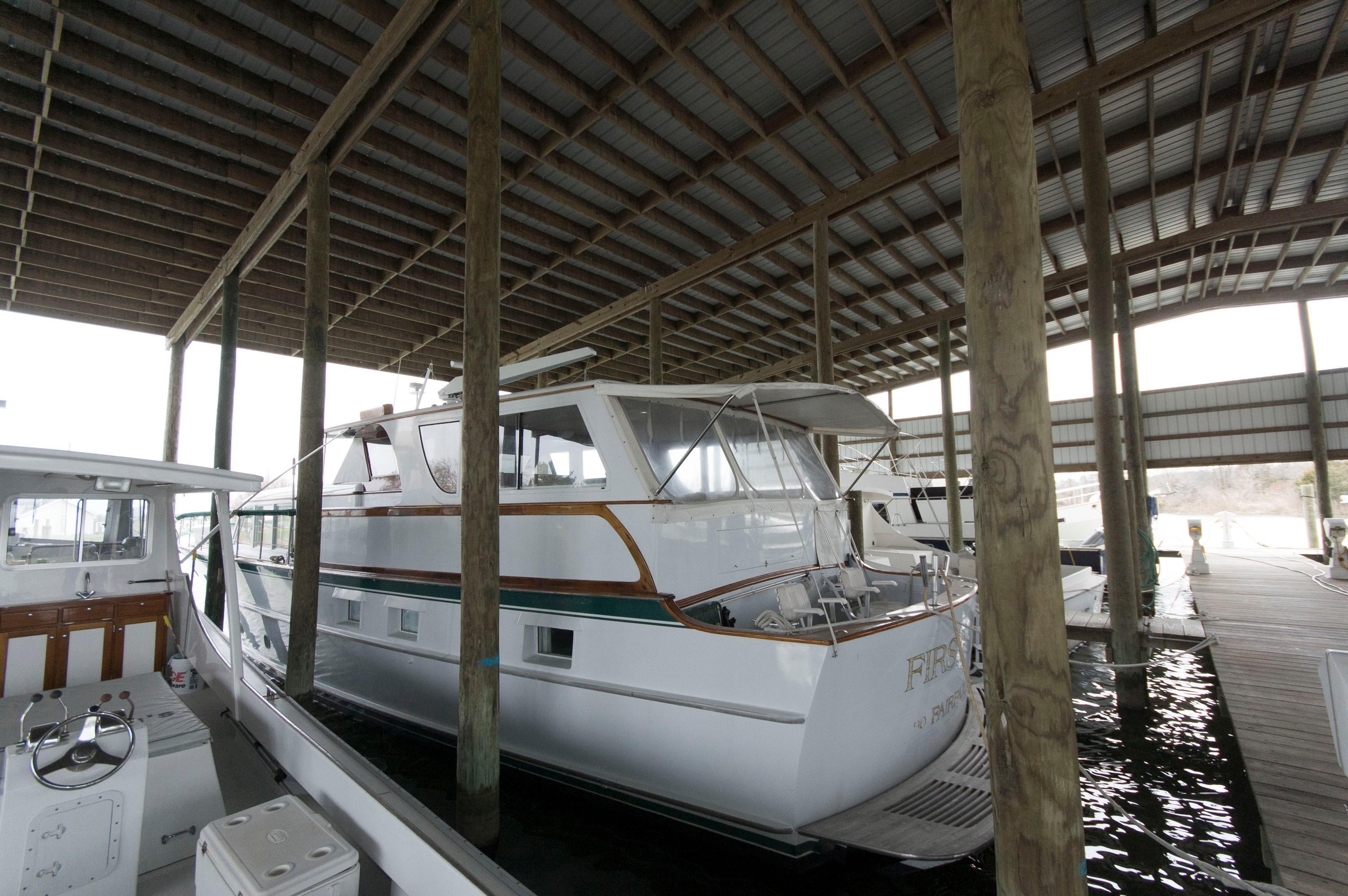 M 4272 VR Knot 10 Yacht Sales