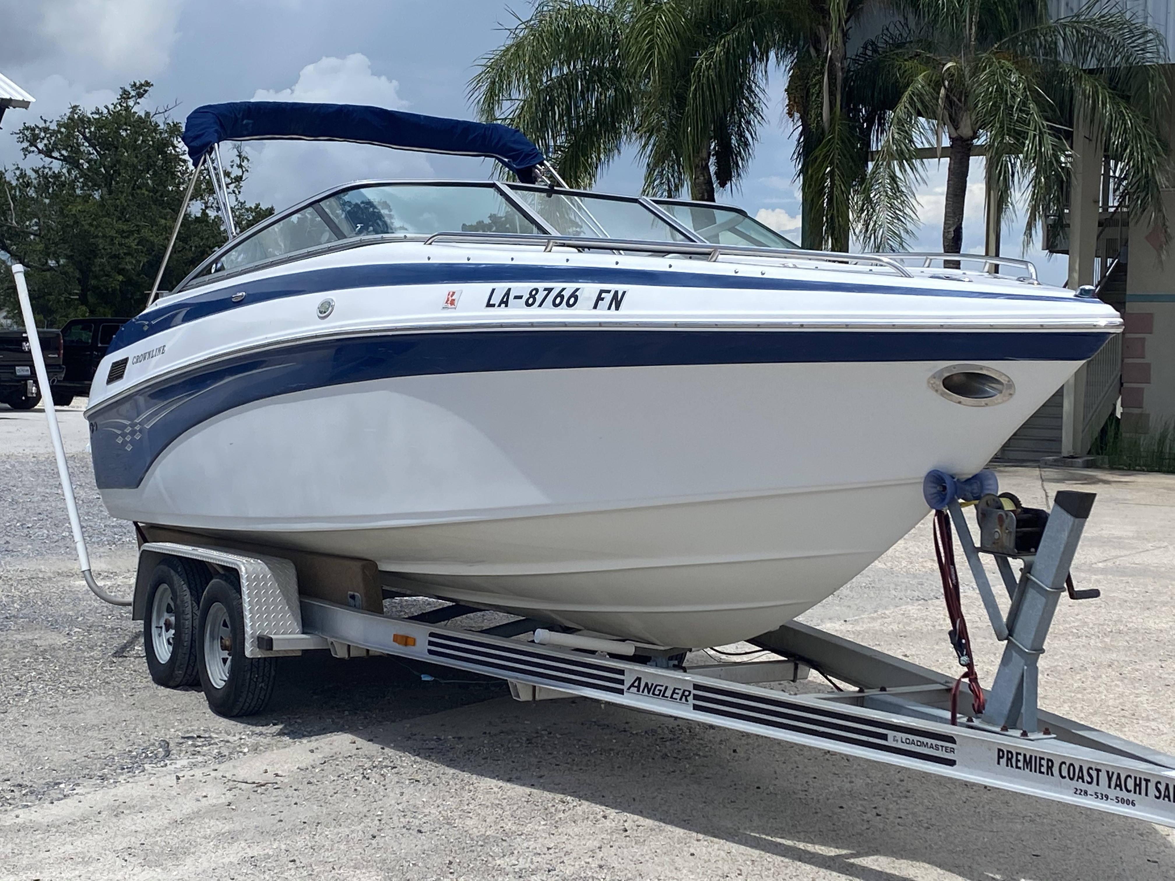 2005 Crownline boat for sale, model of the boat is 236 & Image # 14 of 17